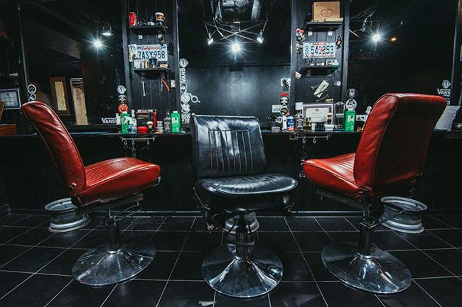 #{salon.city.name}